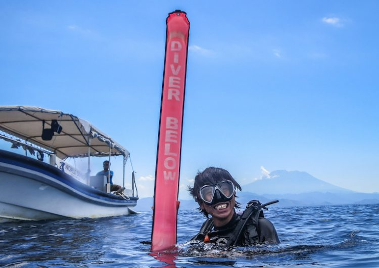 delayed surface marker buoy