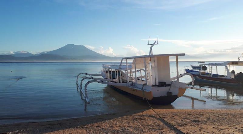 dive boat nusa lembongan